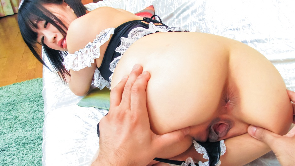 Yui Kyouno enjoying pleasure in her asian pussy