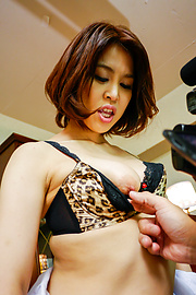 Erika Nishino - Amateur Asian blowjob by sleazy Erika Nishino - Picture 3