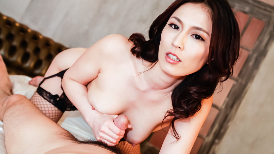 PIC Japanese nurse has sex with endowed patient