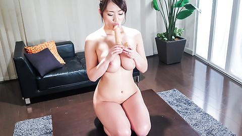Kaede Niiyama - BustyKaede Niiyama gives warm Japanese blowjob - Picture 4