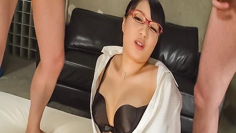Kokona Sakurai - Japanese bukkake video withKokona Sakurai - Picture 9