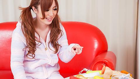 Rino Sakuragi - ริโนะ ซากุรางิพยายามเอเชีย dildos หีของเธอลง -  1 รูปภาพ