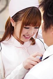 Ai Suzuki - 沿着在预赛亚洲护士急铁杆他妈的 - 图片 3