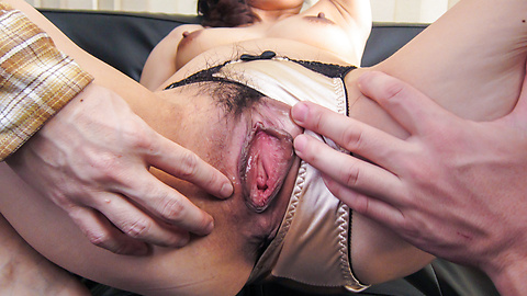 Marina Matsumoto - Great Asian blow job with steamyMarina Matsumoto - Picture 2