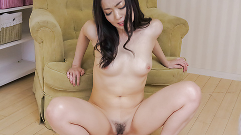 Ryu Enami - Japanese cum dripping down Ryu Enami's tight fanny - Picture 12