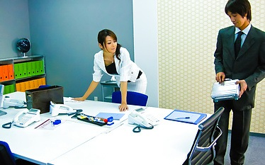 Amateur Maki Hojo first time porn at the office