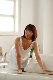 Izumi Manaka - Sexy MILF Izumi Manaka in asian blowjob movies gets fucked - Picture 2