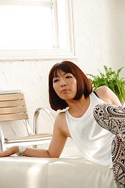 Izumi Manaka - Sexy MILF Izumi Manaka in asian blowjob movies gets fucked - Picture 5