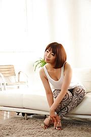Izumi Manaka - Sexy MILF Izumi Manaka in asian blowjob movies gets fucked - Picture 6