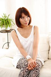 Izumi Manaka - Sexy MILF Izumi Manaka in asian blowjob movies gets fucked - Picture 8