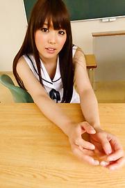 Moe Sakura - Amatir remaja asian Moe Sakura rides cock in POV - gambar 2