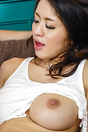 Kaede Niiyama - Kaede Niiyamagives hot Japanese blow jobs - Picture 4