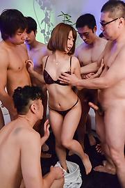 Minami Wakana - Japanese blowjob during group scenes withMinami Wakana - Picture 1