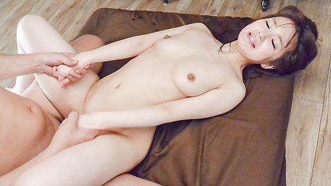 美乳美脚新山沙弥~鬼突き3P・乱交~
