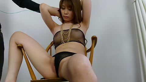 Rika Aiba - Two guys get a japan blow job from MILF Rika Aiba - Picture 2