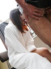 Momoka Rin - Momoka Rin gives an asian blowjob to swallow his jizz - Picture 8