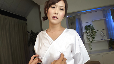 Kotone Amamiya - Kotone Amamiya fucked with toys in jav amateur video  - Picture 2