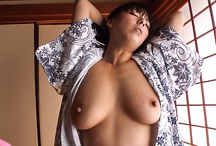 Sexy Ryoko Murakami gets fucked with toys