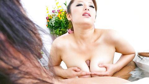Meisa Hanai - 花井 Meisa 已经挤在他妈的的山雀 - 图片 6