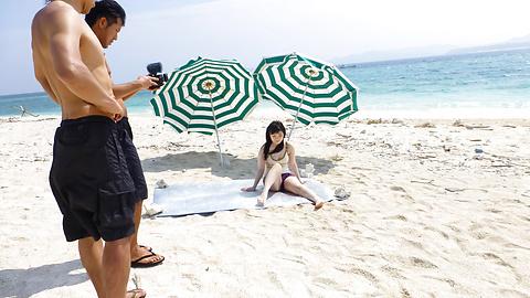 Hina Maeda - Beach creampie asian Hina Maeda fucks outdoors - Picture 4