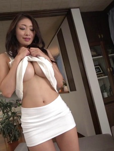 Reiko Kobayakawa - Asian blow job in advance to a nasty facial  - Screenshot 2