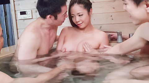 Mimi Aku - Japanese blowjob in the sauna with Mimi Aku - Picture 7