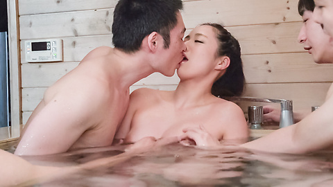 Mimi Aku - Japanese blowjob in the sauna with Mimi Aku - Picture 8