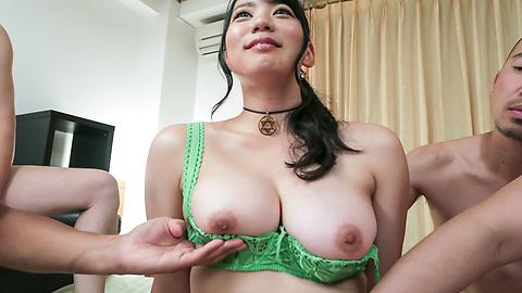 Makoto Shiraishi - Busty Makoto Shiraishi enjoys multiple cocks in her  - Picture 6