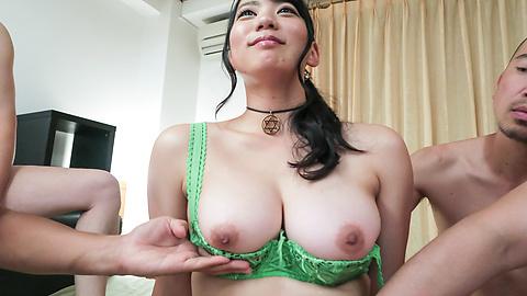 Makoto Shiraishi - Busty Makoto Shiraishi enjoys multiple cocks in her  - Picture 7