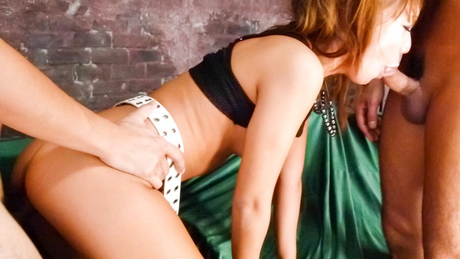椎名唯しいなゆい夫婦の営み動画女の悦びを教え込まれた熟妻の性快楽に狂いメスの本性を剥き出しにした熟妻夫婦の営み濃厚セックス動画Lisa Young塩谷郡塩谷町