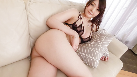 Rie Tachikawa - Busty Rie Tachikawa fucked with an asian big dildo - Picture 3