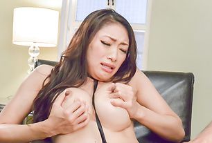 Reiko Kobayakawa's big tits jiggle as she cums from a vibrator