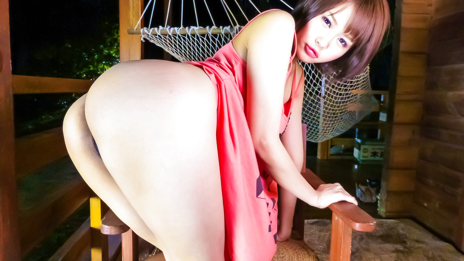 Japanese lingerie model stimulated in raw action