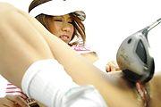 Ren Ito - 仁在高尔夫风光结束了她的屄迪克 - 图片 9