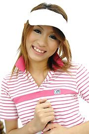 Ren Ito - Ren在高爾夫風景結束了迪克她的陰道 - 圖片4