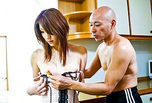 Powerful vibrators make Nana Kinoshita's asian pussy cum