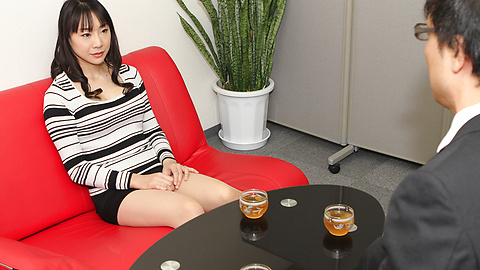 Miho Wakabayashi - Miho Wakabayashi menjilat alat dalam pengeboran - gambar 1