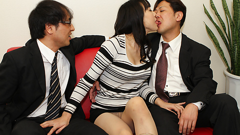 Miho Wakabayashi - Miho Wakabayashi menjilat alat dalam pengeboran - gambar 3