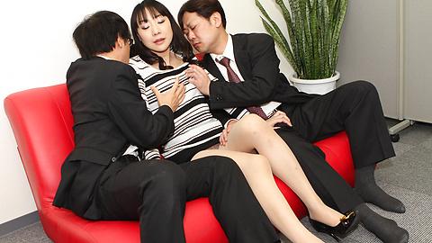 Miho Wakabayashi - Miho Wakabayashi menjilat alat dalam pengeboran - gambar 4