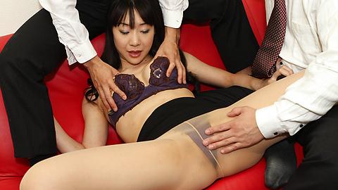 Miho Wakabayashi - Miho Wakabayashi menjilat alat dalam pengeboran - gambar 7
