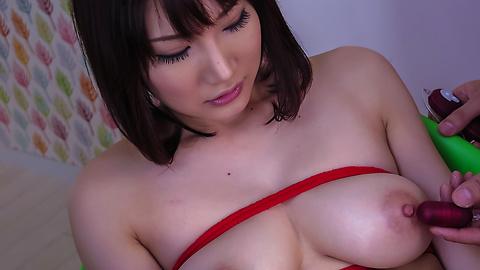 Mikuni Maisaki - Warm Asian blowjob by busty Japanese Mikuni Maisaki  - Picture 9