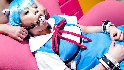 Mei Ashikawa - Mei Ashikawa in Japanese bondage site video - Picture 1