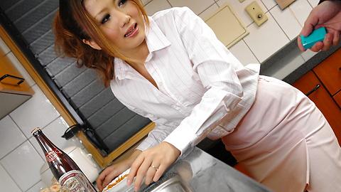 Hibiki Ohtsuki - Hibik Ohtsuki in a hot threesome with double penetration - Picture 2