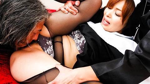 Hitomi Kanou - Hot orgy acition with smokin' Hitomi Kanou - Picture 2