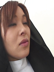 Hitomi Kanou - Hot orgy acition with smokin' Hitomi Kanou - Screenshot 2