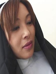 Hitomi Kanou - Hot orgy acition with smokin' Hitomi Kanou - Screenshot 4