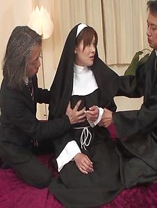Hitomi Kanou - Hot orgy acition with smokin' Hitomi Kanou - Screenshot 5