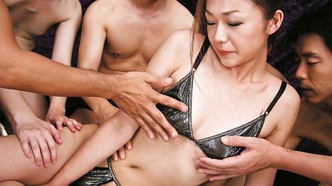 Sakura Hirota - Wild gang go fucking crazy on cum covered Hirota Sakura - Picture 3