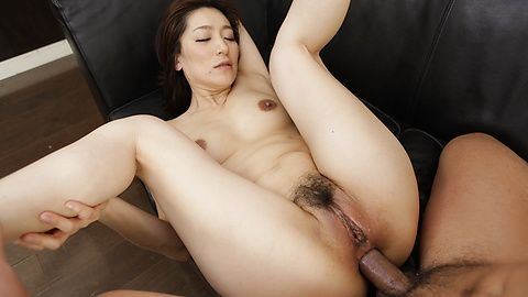 Asian blowjob withMarina Matsumoto in threesome