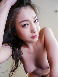 Ryu Enami - Asianblow jobs by hornyRyu Enami in threesome - Picture 3